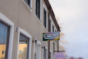 I lokalen på Brunflovägen i Östersund säljs inga kläder utan försäljningen sker via hemsidan eller via sociala medier.
