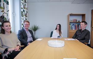 Matilda Kilström, Fredrik Rönning (S), Amanda Blomkvist och Kalle Johansson berättar att man redan tagit emot 166 ansökningar. Sommarjobben, med jobbgaranti för vissa, är populära.
