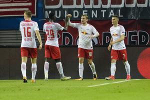 Emil Forsberg jublar efter sitt andra CL-mål. RB Leipzig tog sin första seger någonsin i Champions League efter 3–2 hemma mot Porto.