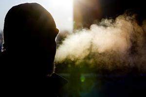 När det är riktigt kallt ska man klä sig enligt flerskiktsprincipen.  Foto: Håkon Mosvold Larsen / TT