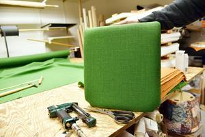 Bland annat klär företaget nu om ett hundratal stolar åt Grövelsjöns fjällstation.