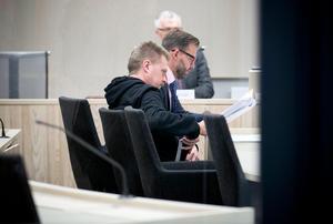 Jan-Erik Brandt under förhandlingar om hans första ansökan om omvandling av livstidsstraffet i Örebro tingsrätt 2014.