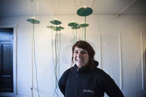 Erika Lövqvist som driver Glashyttan på Skräså visade upp annat än sin glaskonst.