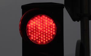 Rött ljus är en given stoppsignal (undantaget Birkakorset på morgnarna, enligt skribenten). Foto: Ingvar Karmhed/TT