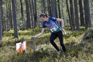 Cat Taylor på väg mot segern i den första etappen av Idre 3-dagars.