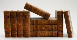 Gamla böcker. De här hade ett utropspris på 1500 kronor på Bukowskis Market.