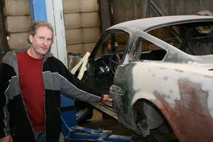 Åke Sandberg har flera månaders jobb framför sig innan bilen är klar.