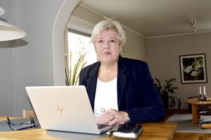Maria Bäckman, länsverksamhetschef för kardiologin tjänar 87 000 kronor i månaden. Hennes företrädare Per Blomströms veckolön motsvarade en månadslön på 170 548 kronor.