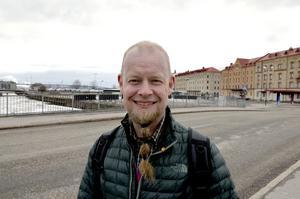 Christian Elf, 51, tekniker, Sundsvall: