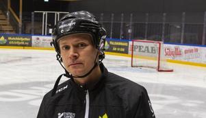 Johnny Karlsson, lagledare i ÖIK:s tjejlag.