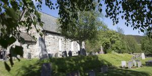 Åre gamla kyrka hade dekorerats med ljus och blommor inför minnesstunden.