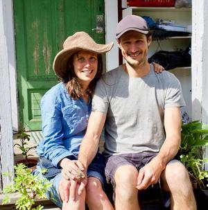 Annevi och hennes Carlo väntar sitt andra barn i september. Foto: Jon Norberg.