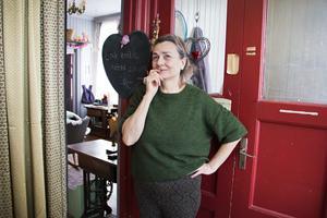 Maria Engblom är glad att hon vågade köpa huset med sina vänner. Idag har de bildat en bostadsrättsförening.
