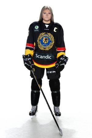 Foto: Lars-Åke Johansson/Södermanlands  Ishockeyförbund. Lova Blom.