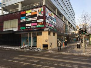 Just nu pågår arbetet med att bygga en ny entré in i Telgehuset. Den ska leda rakt in i den Gina Tricot-butik som öppnar i april.