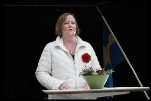 – Det som är bekymmersamt är hur vi ska få en långsiktig finansiering så att vi kan utveckla sjukvård och omsorg i vår kommun, säger Ulrika Falk, oppositionsråd för Socialdemokraterna.