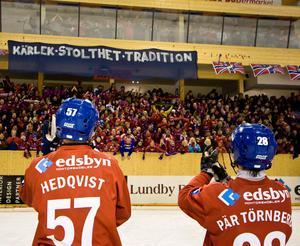 11 mars 2008 sköt Jocke Hedqvist Edsbyn till final efter en rysaravslutning mot Västerås där Edsbyn vände 0–2 i matcher till seger med 3–2 i matcher. Foto: Martin Henriksson/Scanpix