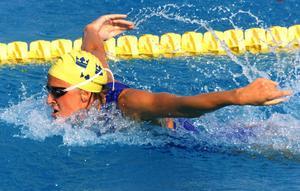 Johanna Sjöberg växte ut till en svensk simstjärna på 90-talet. 1998 fick hon Telgebragden.