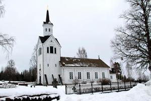 Till höger i bild, på den östra kyrkogaveln, finns den lilla tillbyggnad som nu ska rivas.