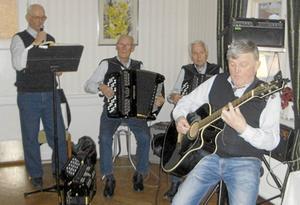 Hovkvartetten besökte SPF Grangärde-Sunnansjös pubkväll.