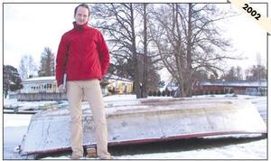 Vinterbilden 2002. Årets modell: Michael Sandsjö. Medeltemperatur: -1,1. Nederbörd 153,9. Foto: Magnus Östin.