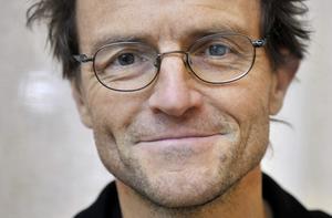 Lars Tunbjörk avled i april 2015. Nu, drygt tre år senare, visas en stor utställning med hans verk på Fotografiska i Stockholm samtidigt som hans bilder har samlats i en fotobok. Arkivbild.Foto: Jessica Gow / TT
