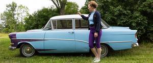 Linda Sverins bil är en två dörrars Opel Rekord från 1958.