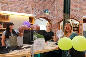 Personalen på biblioteket ser fram emot att åter välkomna besökare in i de nyrenoverade lokalerna, även om avståndet är fortsatt viktigt.