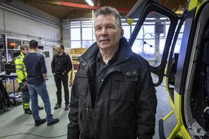 Bengt Linde, flygplanstekniker i hangaren på Frösö Park.