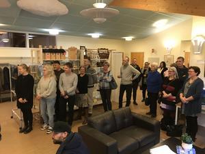 Invigningen var tänkt att hållas vid Hälsorummet, men antalet besökare gjorde att man av utrymmesskäl fick byta lokal. Foto: Region Gävleborg.