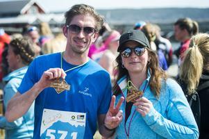 Roger Norman sprang 10 kilomter och Isabelle Norman sprang 5 kilomter och var nöjda efteråt.