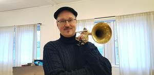 Peter Asplund har spelat trumpet och sjungit i flera olika konstellationer. På söndag spelar han med piano och bas samt med en stråkkvartett.