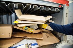Återvinning av pappersförpackningar och kartong. Foto: Martina Holmberg/TT