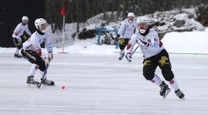 Johan Redenius (t.h) lämnar SIF Norrtelje för flytt till Bollnäs och spel med Snoddas BK.