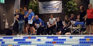 Njurundas Simsällskap var representerade med många simmare och de hade stort stöd från sidan.