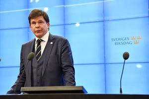 Talman Andreas Norlén vid en presskoneferens i riksdagshuset efter att han träffat samtliga partiledare på måndagen. Foto: Henrik Montgomery / TT