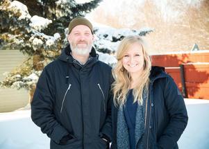 Tillsammans med Johanna Liljeblad Lycksell driver Jonas Bentzer Familjestödspodden för att nå ut till föräldrar som annars inte skulle våga be om hjälp.