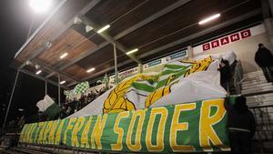 Drygt 3 000 åskådare tog sig till Zinkensdamm för att stötta Hammarby.