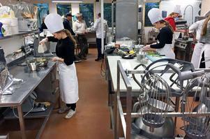 Full fart var det i köket på Ecole när elva lag gjorde upp om segern.
