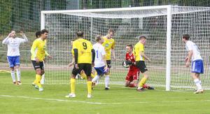 Nära för Iggesund, men Andreas Mohlin i SFF-målet räddade målet från påhälsning.
