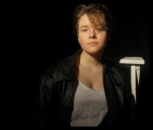 Yolanda Ryn har skrivit Teater Olivers föreställning
