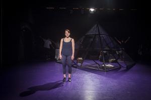 Få personer utanför dansvärlden minns Per Jonsson. Föreställningen ger honom den rättmätiga uppmärksamheten. Här är det Cecilia Wernesten som återberättar ett minne av koreografen från Hälsingland.