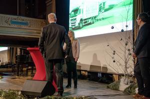 Emma Benson, vd på Sundsvalls Expressbyrå, intervjuas av Näringslivsbolagets Mats Ågebrant efter att ha fått utmärkelsen