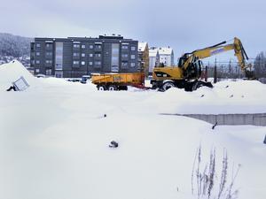 Andra etappen som saneras inför fortsatt byggande på Storsjö strand ligger i det här området, närmast kameran.