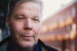 Leif Lindström (V) tror att privatiseringar väntar i Borlänge.