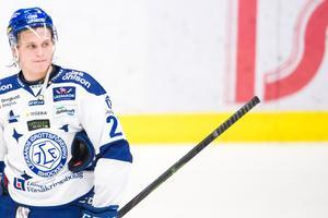 Anton Karlsson får se sig om efter en ny klubbadress i höst. Foto: Bildbyrån