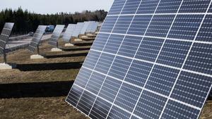 Megawattparken, nära E18 mellan Enköping och Västerås, invigdes 2014 och var då nordens största solpark. Parkens 91 paneler följer solens gång och producerar 1,2 miljoner kilowattimmar solenergi per år.