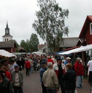 Folkmyller. Många besökare hade kommit för att gå på marknad. Foto:Lovisa Svenn