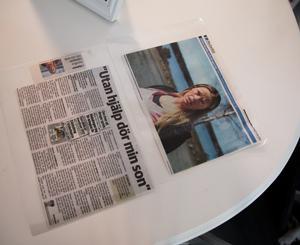 Artikeln som Annika Wikman var med i ligger inplastad på bordet.