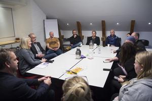 Kommunen, kyrkan, företagare och banker fanns representerade på gruppens  senaste möte med Nattvandrarna.
